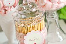 Esküvőcske desszert asztal