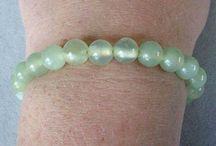 Hand Crafted, Artisan Jewelry > Bracelets / Shell, Pearl, Fluorite Bracelets.