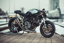 Motociclette. honda 400fur