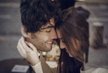 Inspiration - Parisian cafe / Imagine your romantic photoshoot in the City of Love to keep incredible memories from your engagement, proposal or honeymoon in Paris. Let's enjoy a pause in a typical parisian café.