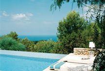 Стиль Ибица / Остров Ибица известен как место отдыха для любителей шумных вечеринок и не только…