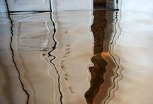 反射する床