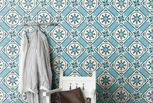 Плитка в ванную для пола и стен / Красивой плитки, которая гармонично, интересно, а порой и весьма необычно смотрится в интерьерах ванных комнат. отличный повод сделать ванную центром квартиры!