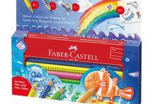 Faber Castell Kids / Kinderen borrelen over met ideeën en gretigheid. Moedig je kinderen aan om hun vrije tijd op een creatieve en zinvolle manier door te brengen en je zal ze tegelijkertijd enthousiast kunnen spelen en leren. Hiervoor bieden wij uw kind een scala aan geschikte producten, waardoor zijn of haar enthousiasme en nieuwsgierigheid wordt verhoogd door suggesties voor spelen met onze producten en product sets te bevatten.