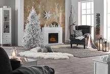 Värikoodi harmaa / Talvikoti pukeutuu tyylikkäästi valkoiseen ja huurteisen harmaaseen. Elävät pintastruktuurit ja pehmeät materiaalit ovat avainasemassa. Monien kuosien innoittajana on toiminut pohjoinen luonto.