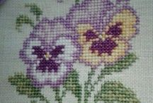 Cross stitch: Blomster