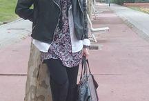 """Rocker Lady Touch / un look con un vestido estampado, combinado con la que ha venido siendo durante varias temporadas un auténtico """"must have"""" para terminar convirtiéndose un básico ….. cazadora la biker y para romper el estilo casual y darle al conjunto un aire sofisticado y sexy, las over knee boots y una blusa blanca..... Aquí lo tenéis !!! :)) http://gabbynnia.com  #Inspiration #FallFashion #StreetStyle #WorkingGirl #OverKneeBoots #Bag #Biker #FashionBlog #Fashion"""