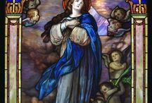 Santa María Virgen en el arte de las vidrieras