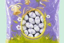 Pâques / Quelle bonheur de retrouver nos oeufs de pâques en chocolat cacher dans le jardin ou à l'intérieur et laisser nos enfants  s'amuser à les trouver www.chockies.net