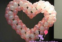 corazón en globos