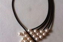 Ожерелья / украшения на шею