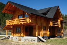 Casa din Lemn cu Acoperis Decra la Sucevita, jud Suceava / Cat e de frumoasa si de asortata cu peisajul !   Mai multe despre #TiglaMetalica #Decra gasiti www.decra.ro