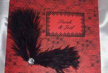 Mariage thème cabaret / Faire part, contenant dragées, menu, marque place, plan de table, tirelire et livre d'or.