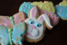 Pretty Cookies - Easter Bunnies / by Diane Monty