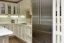 Smallbone Style Mirrored Inserts Kitchen / White shaker Kitchen Mirrored inserts