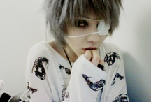 kr haku / aesthetically pleasing. androgynous. visual kei. really, theres not much to say about haku. their aesthetic is wonderful.