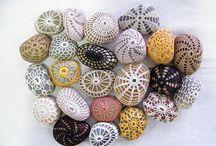 Stone crocheting