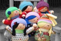 Bonecas do Mundo / by Ana Nascimento