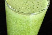 Food: Smoothies and Vitamix Recipes / by Foodie with Family's Rebecca Lindamood