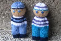 Bonecas de tricô