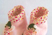 Botinhas fofas / Botinhas em tecido 100% algodão, carapinha e bordadas à mão.