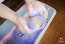 Alphabet Sensory Activities / 26 amazing bloggers have gotten together to share a sensory experience based on a letter of the alphabet… think sensory bin, sensory bottle, gross motor outlet, tactile craft or fine motor activity. But these are all guaranteed to be fun!