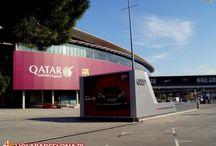Stadion Camp Nou / Stadion słynnej Barcy to punkt obowiązkowy każdego prawdziwego kibica piłki nożnej. Stadion może pomieścić 98000 widzów.