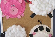 ovejas en platosdesechables