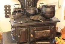 Старинная мебель и предметы обихода