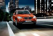 Yeni BMW X1 / Şehirde veya arazide nerede olursanız olun yeni BMW X1 birinci sınıf bir sürüş deneyimi sunuyor. Modifiye edilmiş gövde tasarımı, titiz iç dizaynı, ayrıntılı gözden geçirilmiş motor portföyü ve yenilikçi ekipman özellikleriyle, BMW'nin ayırt edici sürüş zevkinin hakkını teslim ediyor. Bu güzelliğe fotoğraf galerimizden daha yakın bakabilirsiniz. Daha fazla bilgi için: www.bmw.com/x1