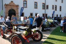 Oldtimer & Fachwerk / Fast 1.000 Aussteller aus dem gesamten Bundesgebiet, rund 30.000 Besucher: So präsentierte sich die letzte Oldtimer + Fachwerk-Veranstaltung. / by Celle Tourismus und Marketing GmbH