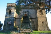 Castello San Fili - Stignano - Calabria / Castello San Fili (Monumento italiano da preservare dal 1996 secondo Legambiente) Fu costruito nel XVII secolo come struttura difensiva, poi fu trasformato in residenza.
