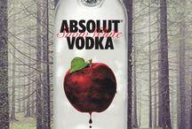 GRAPHISME | Absolut Vodka / Projets de Design graphique réalisés par les étudiants de deuxième session. Mandat : Concevoir un concept publicitaire pour une couverture arrière d'un magazine par l'habillage d'une bouteille d'Absolut Vodka.