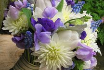 Sweet Pea Wedding Flowers / Beautiful ideas for wedding flowers that include Sweet Pea.  Check out bridal bouquets, corsages, boutonnieres and reception table centerpieces.