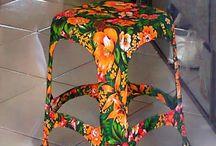Plast stolička s látkou obtiahnuté