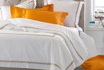 Spring Bedding and Room Decor / Give your bedroom a spring makeover!