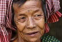 Krama - Cambodia / Inspiration for a weaving assignment. Inspired by the krama.
