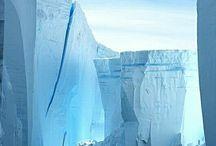 Arctique, Antarctique et glaciers / Splendeur et grandeur venue des pôles.
