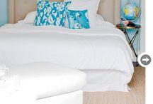 Master Bedrooms / Master Bedrooms designed by Riesco & Lapres Interior Design