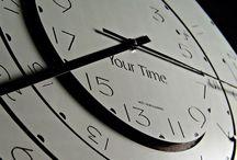Your Time / YOUR_TIME: Un nuovo modo di leggere il fuso orario brevettato dall'arch. Marco Poletti. Questo orologio a muro è composto da una ghiera centrale di alluminio fissa con la quale si visualizza l'ora locale e da ghiere esterne orientabili, anch'esse di alluminio con le quali una volta ruotate si indicano i fusi orari scelti dall'utente.