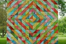 Quilts/Bedding / Quilts & Bedding / by Holly Bridgeo