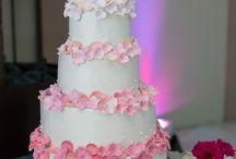 Cakes / by Michelle Cinquemani