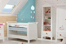 Mebelki dla dzieci / Wyposażenie pokoju dziecka powinno umożliwiać mu wypoczynek oraz naukę: http://mebleportal.pl/meble-dodatki-sprzet-42/0/346/mebelki-dla-dzieci-do-spania-i-do-nauki.html. Jednocześnie mebelki muszą być bezpieczne, funkcjonalne i komfortowe. Powinny również ułatwiać opiekę rodzicom nad dzieckiem, o czym przeczytacie na: http://mebleportal.pl/style-i-aranzacje-41/0/319/meble-dla-niemowlat-wygodne-dla-dziecka-i-rodzicow.html.