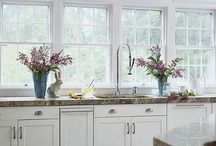 Kitchen Inspo / Pretty, shiny and (most importantly) clean kitchens.