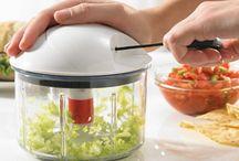 Pratik Mutfak Aletleri / Mutfakta işinizi kolaylaştıracak pratik mutfak aletlerini içerir.