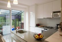 Rénovation d'une maison en meulière / Rénovation complète d'une maison en meulière en région parisienne : cuisine et meubles sur mesure, aménagement du sous-sol, décoration.