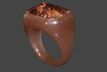 Bigiotteria - Accessori Bjioux / Collane, bracciali, anelli e tanto altro...Tantissimi accessori di bigiotteria per enfatizzare al meglio la propria immagine.