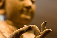 Mudras / Mudras sculptures to remember that healing is within us