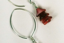 Ear Wire Shapes / Different shapes of ear wires (earring findings) and some useful tutorials on how to make them.