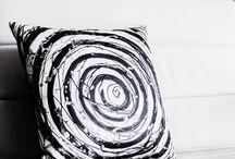 Farinacci Pillows / Conoce Piart, una exclusiva colección de cojines decorativos hechos a mano por Juvian Farinacci. Las piezas se convierten en objetos decorativos al igual que mobiliario. Las piezas no se repiten.